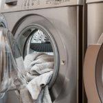 Triky do domácnosti: Ako vyčistiť práčku, žehličku a kanvicu!