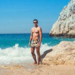 Pánske plavky: Ako si vybrať správny strih a ktorý typ sa hodí všetkým?