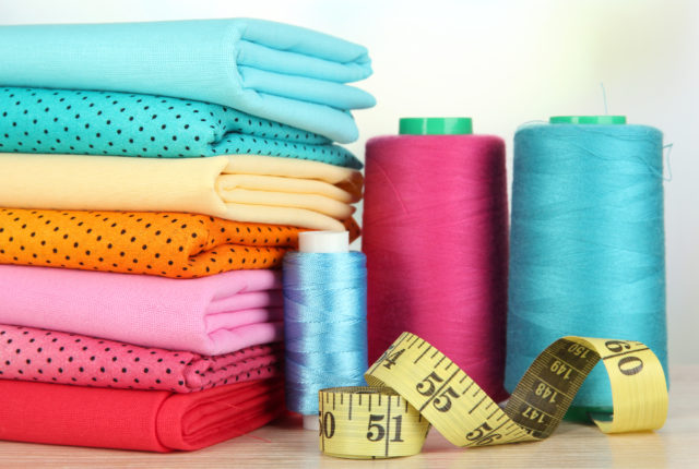Prehľadne: Ako kúpiť bavlnenú látku na šitie v e-shope?