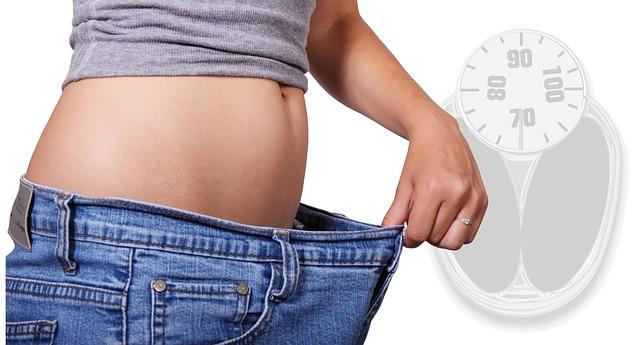 Ako schudnúť z brucha – vyskúšajte tieto cviky